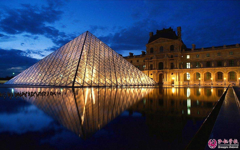 法国巴黎卢浮宫博物馆